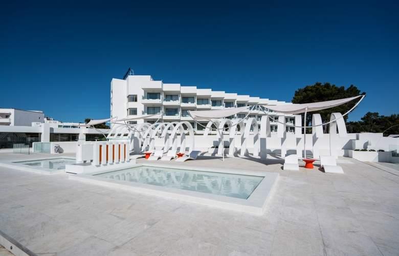THB Naeco Ibiza - Terrace - 5