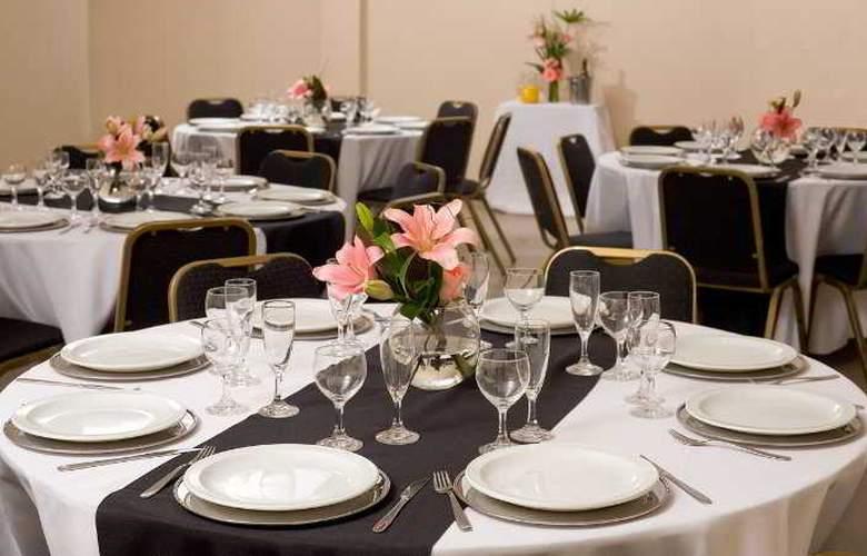 Alma del Plata Hotel & Apart - Restaurant - 11