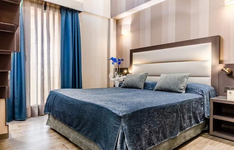 Reina Cristina - Room - 6