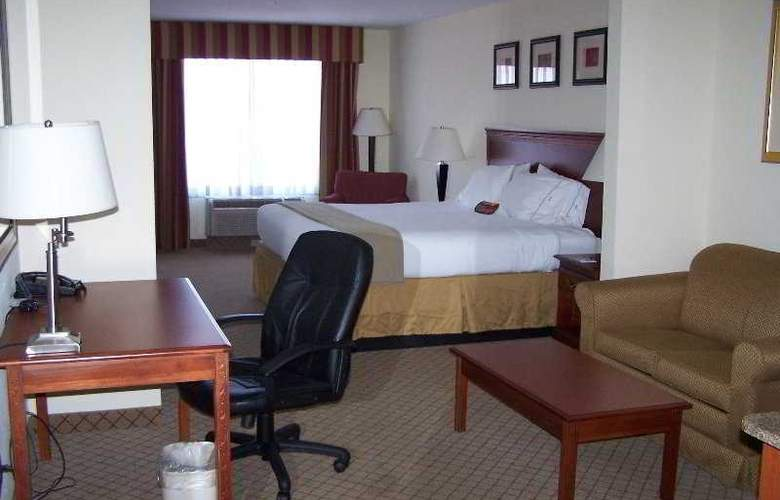 Holiday Inn Express Hotel&Suites Tampa-Fairgrou - Room - 4