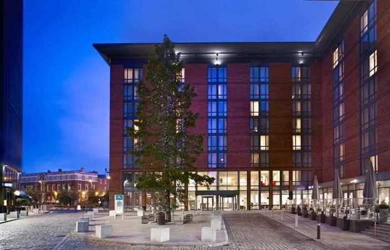 Hilton Garden Inn Birmingham Brindleyplace - Hotel - 6