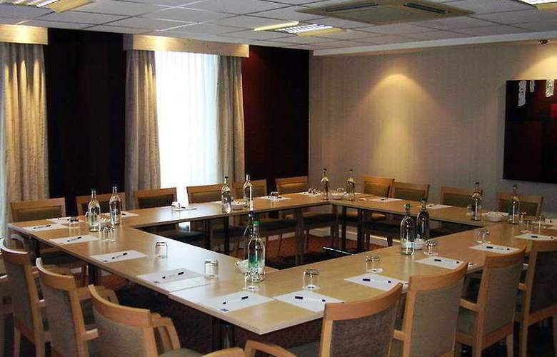 Holiday Inn Express Stansted Airport - Conference - 3