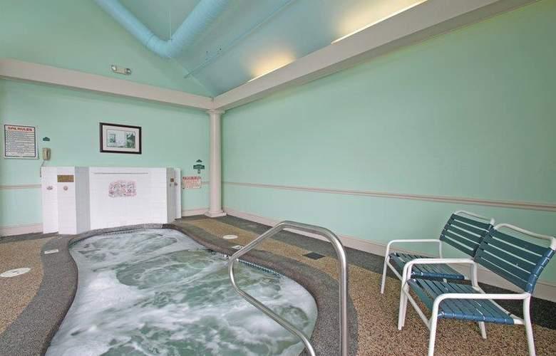 Best Western Merry Manor Inn - Pool - 68