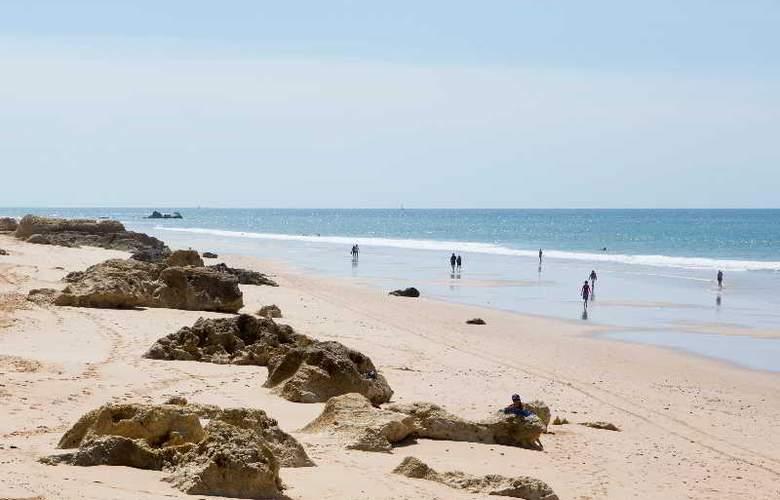 Bayside Salgados - Beach - 3