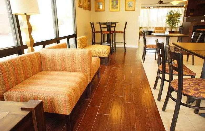 Best Western Plus Orchard Inn - Hotel - 13