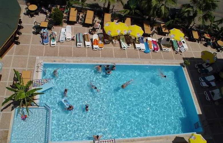 Sesin Hotel - Pool - 6