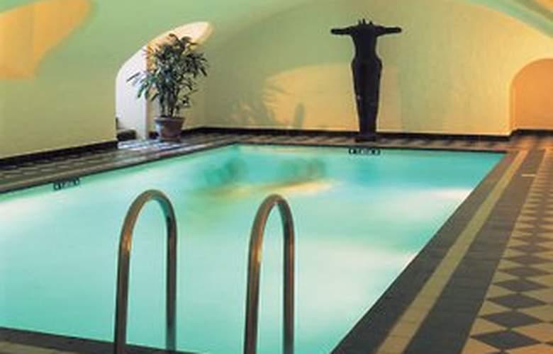 Hotel Navarra - Pool - 4