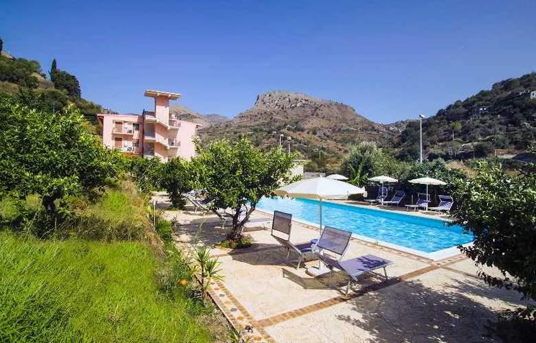 Villa Taormina - Hotel - 3