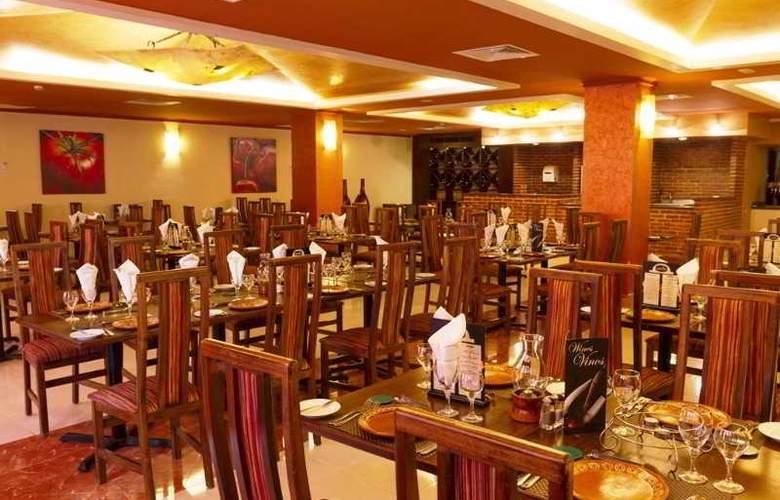 Sandos Playacar Beach Experience Resort - Restaurant - 7