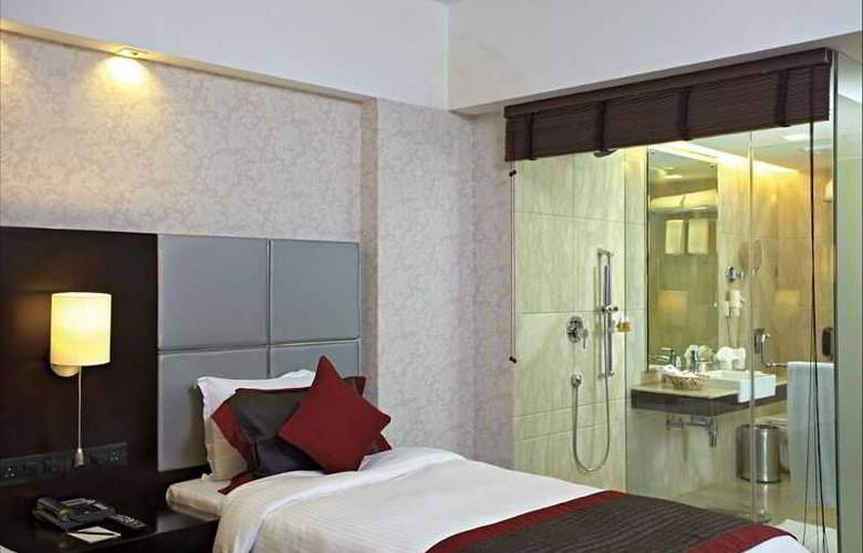 Country Inn & Suites By Carlson Gurgaon Sec 29 - Room - 8
