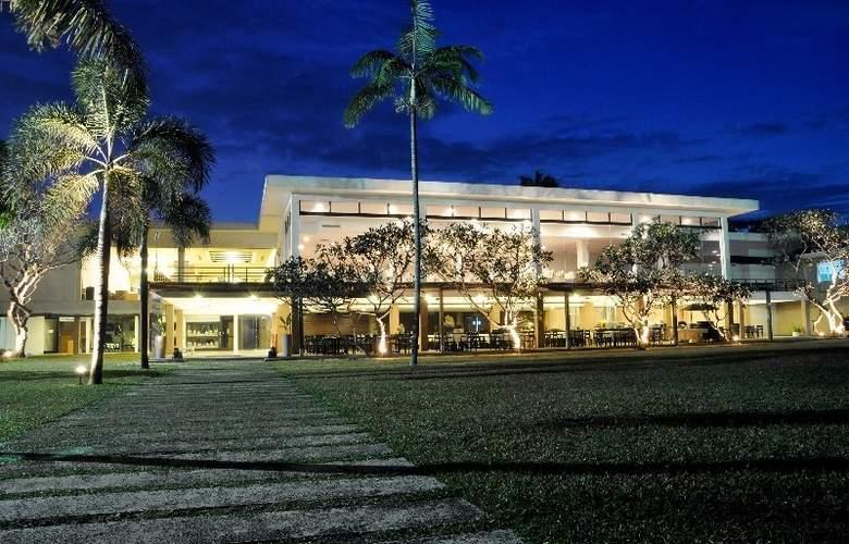 Pegasus Reef - Hotel - 0