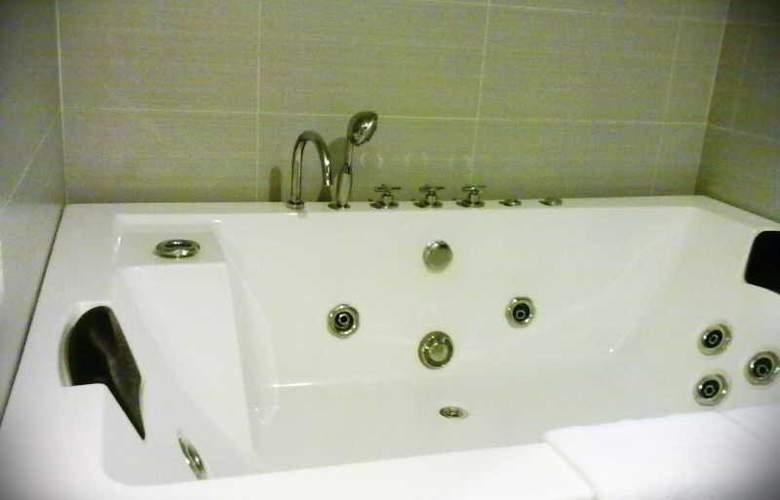 Pariss Hotel - Room - 2