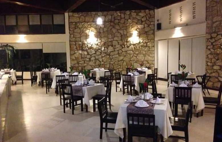 Tulija Express Hotel & Villas - Restaurant - 10
