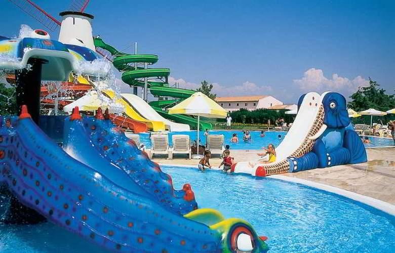 Sunrise Park Resort & Spa - Pool - 28