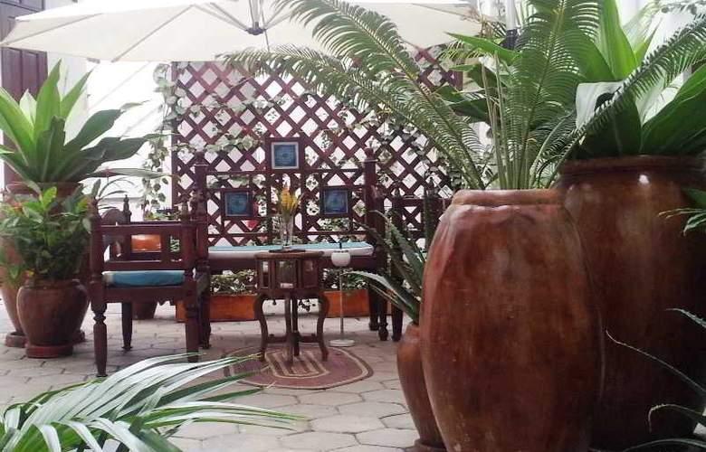 Maru Maru Hotel - Terrace - 10