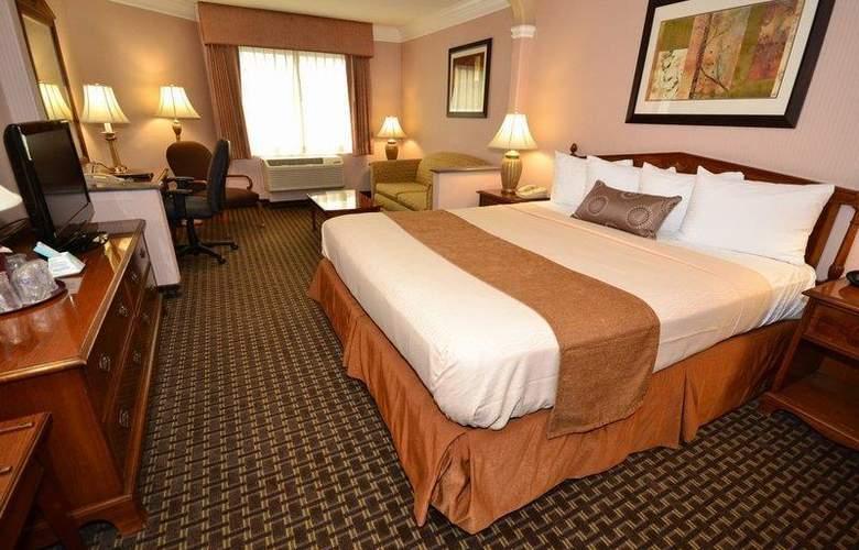 Best Western Plus Suites Hotel - Room - 43