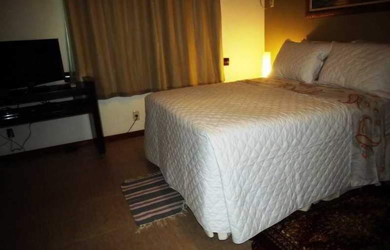 Falcon Guest Suites - Room - 15