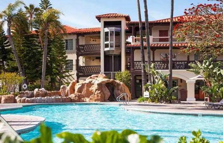 Embassy Suites Mandalay Beach Hotel & Resort - Hotel - 2