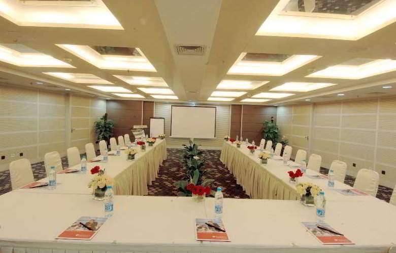 Ramada Plaza Zhengzhou - Conference - 3