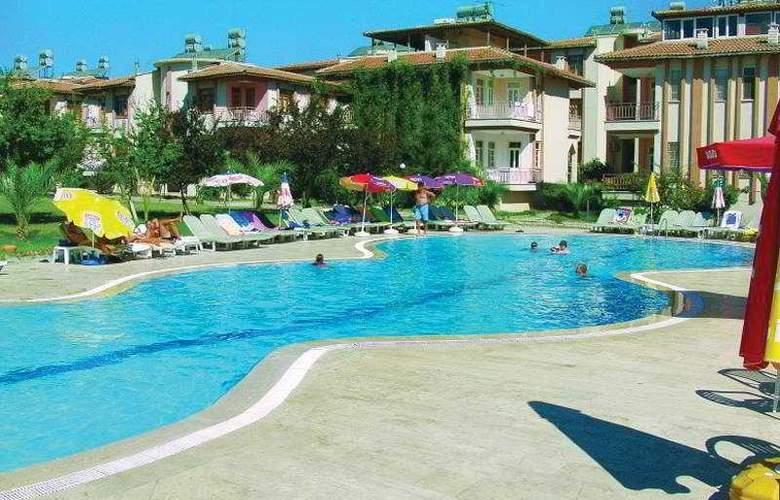 Sunlight Garden Hotel - Pool - 8
