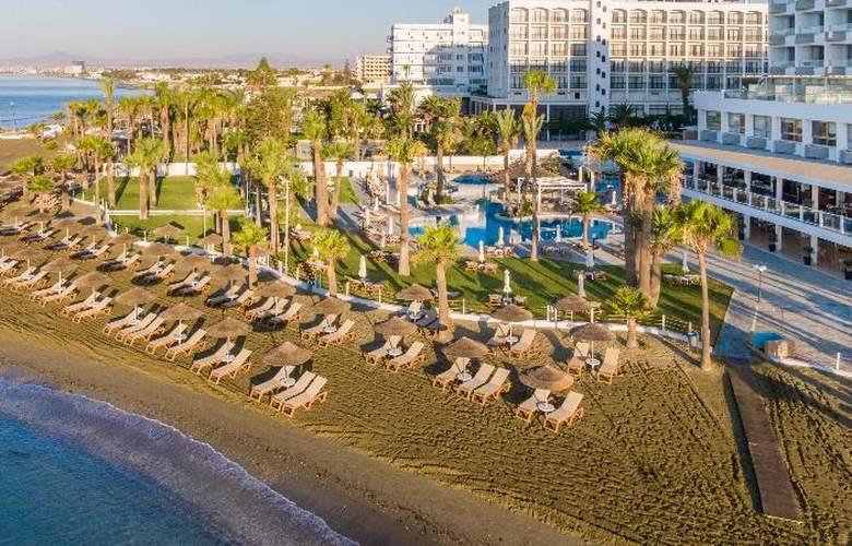 Golden Bay Beach - Hotel - 0