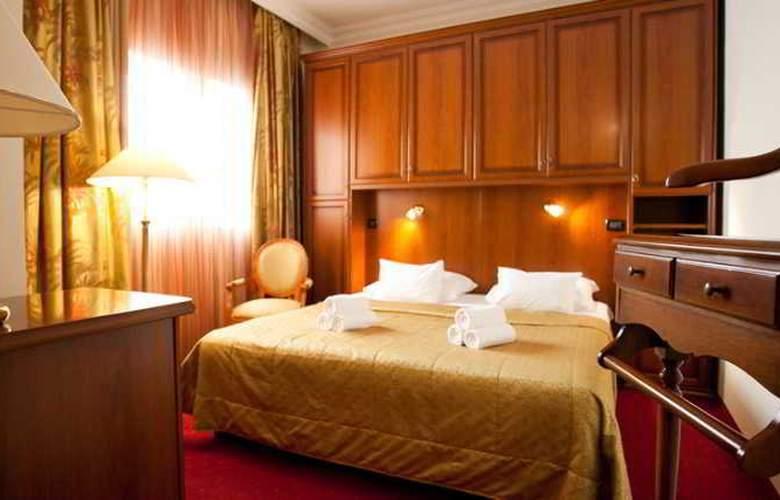 Hotel Globo - Room - 8