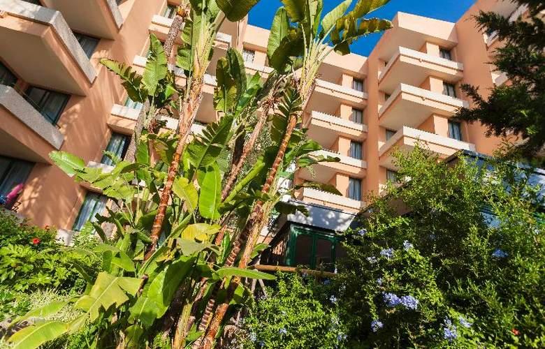 Apartamentos Globales Nova - Hotel - 9