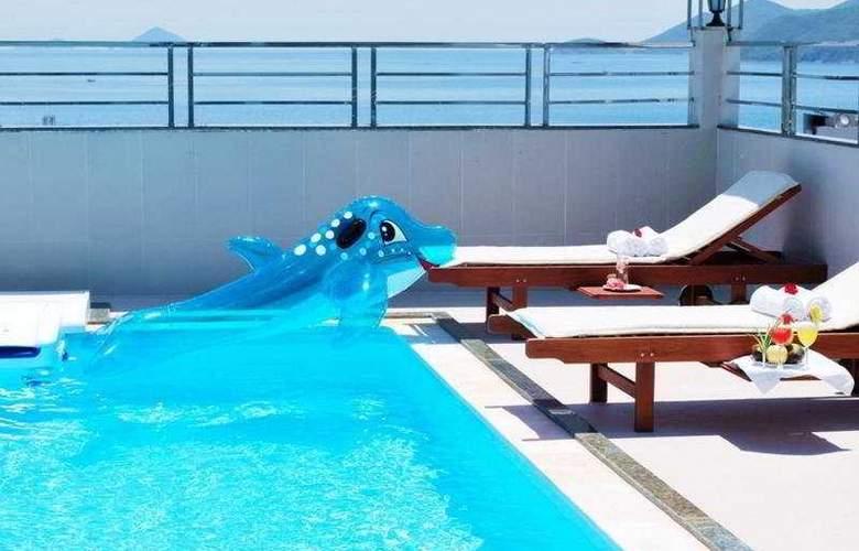 Barcelona Hotel - Pool - 5
