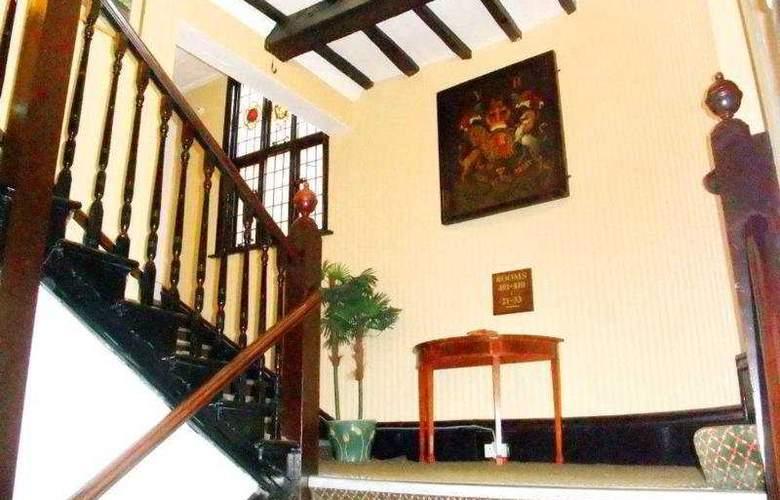 Ramada Crawley Gatwick - Hotel - 3