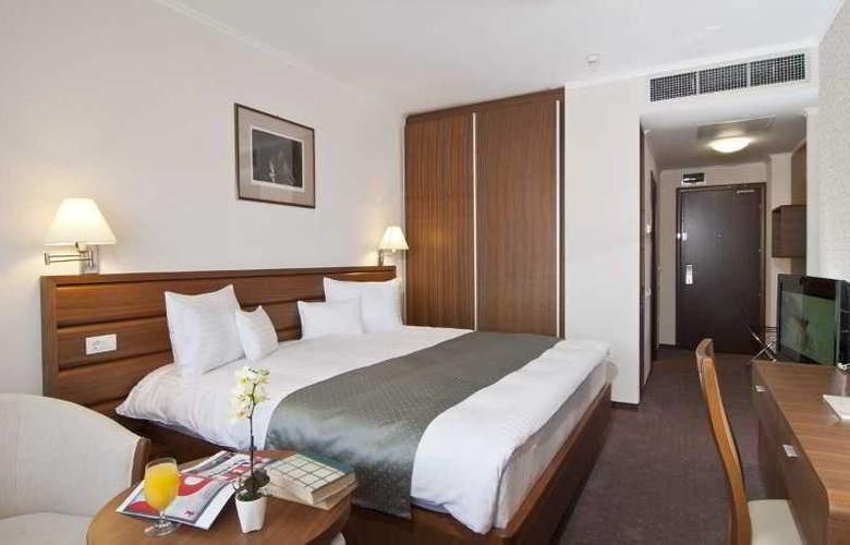 Ramada Cluj Hotel - Room - 16