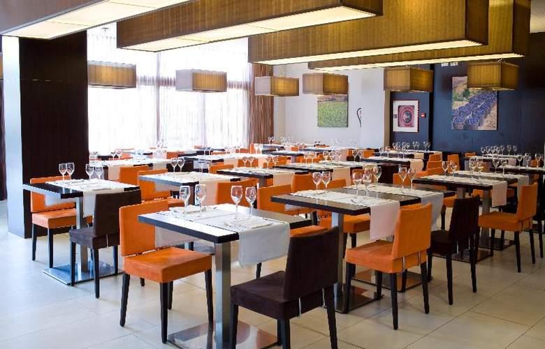 Villa Olimpic@ Suites - Restaurant - 13