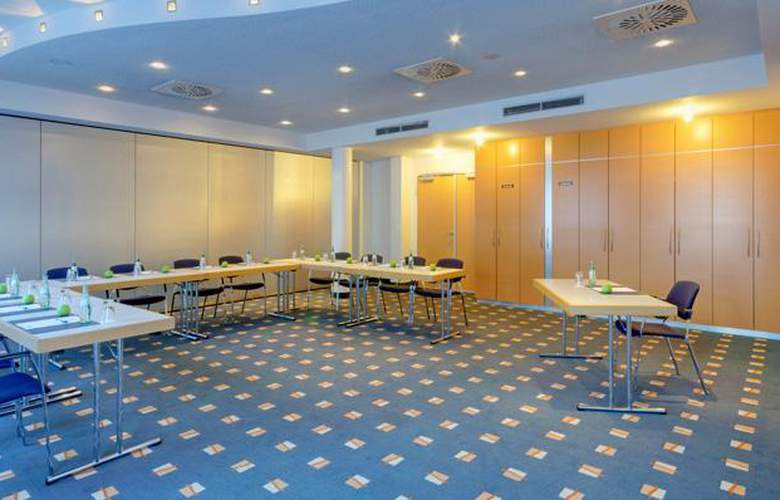 Tryp Dusseldorf Airport - Conference - 4