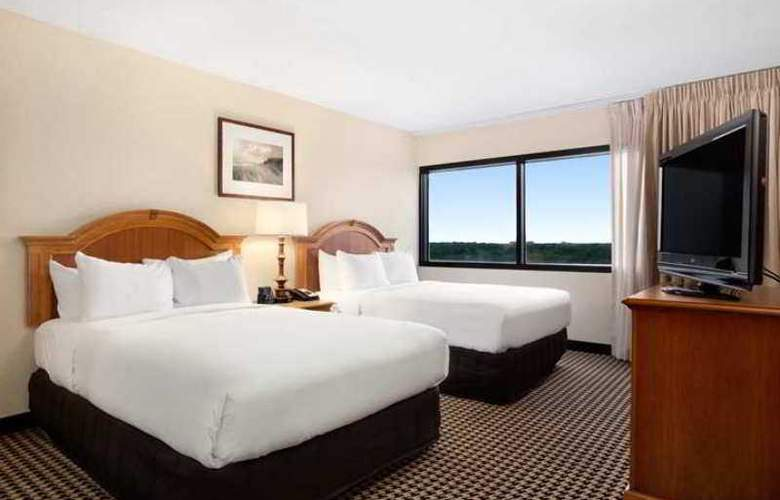 Hilton Suites Chicago/Oak Brook - Hotel - 2