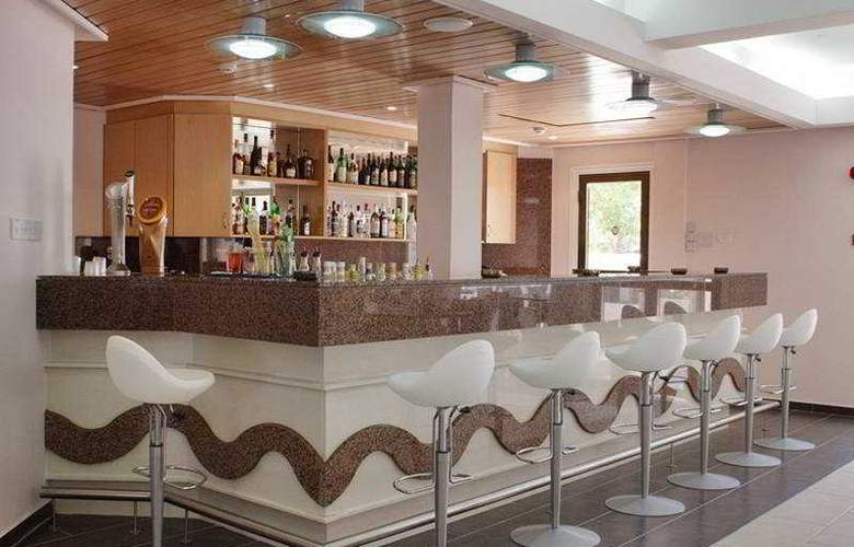 Sofianna Apartments - Bar - 7