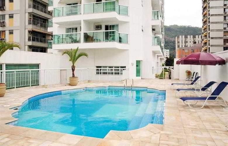 Quality Suites Botafogo - Pool - 20