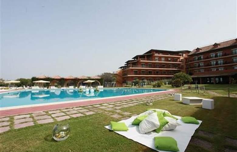Golden Tulip Resort Marina di Castello - Hotel - 4
