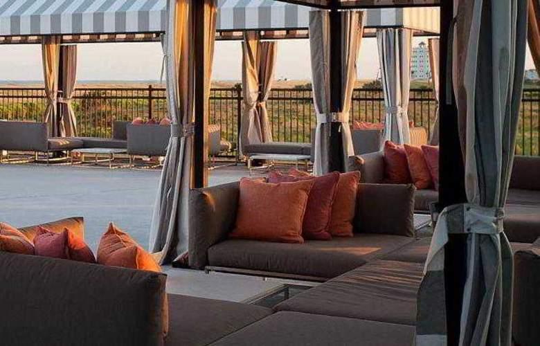Courtyard Galveston Island Gulf Front - Hotel - 8