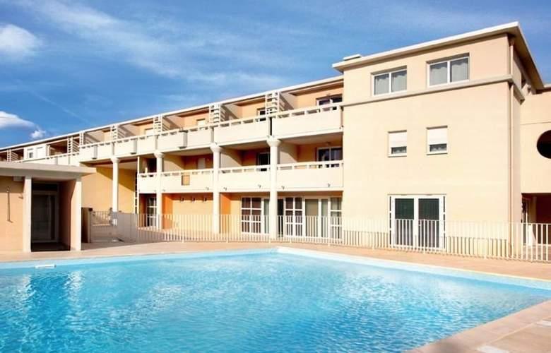 Park & Suites Village Six Fours les Plages - Hotel - 0