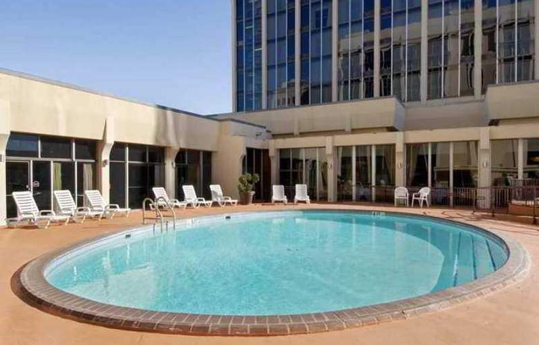 DoubleTree by Hilton Midland Plaza - Hotel - 3