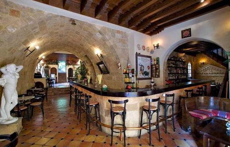 Saint Nikolis - Bar - 9