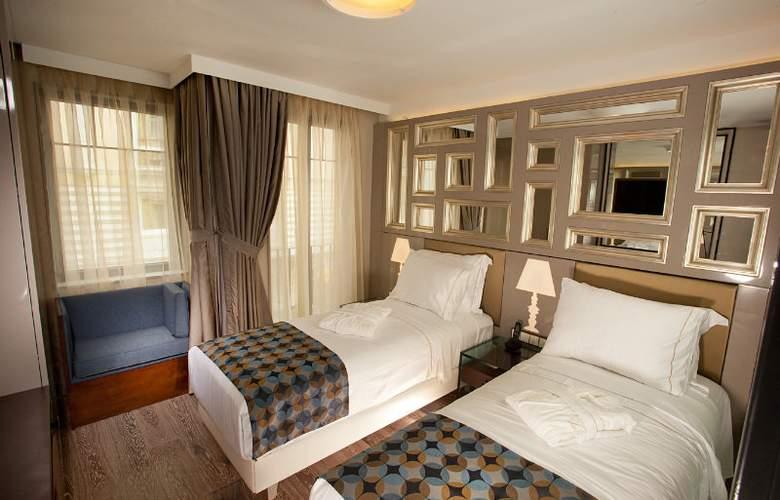 La Villa Hotel - Room - 6
