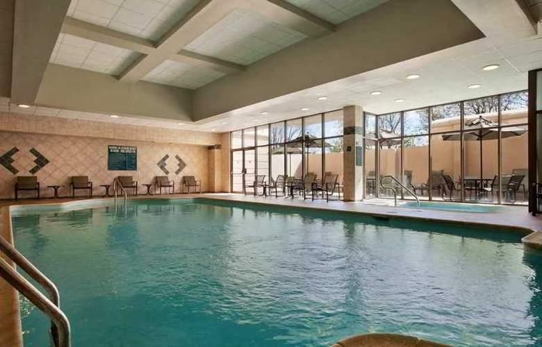 Embassy Suites Philadelphia - Airport - Pool - 0