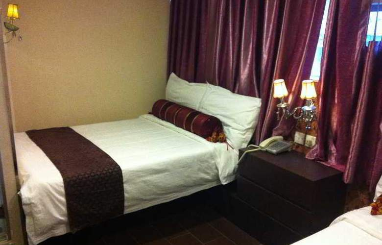 California Hotel - Room - 14