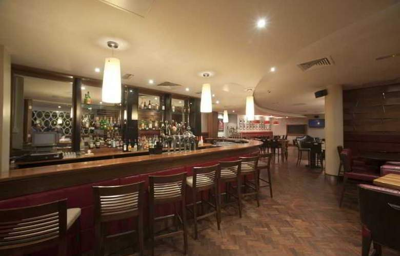Pembroke Hotel - Bar - 1