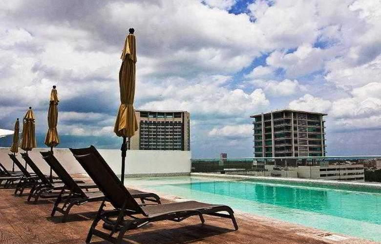 Torre Barcelona Cancún - Pool - 3