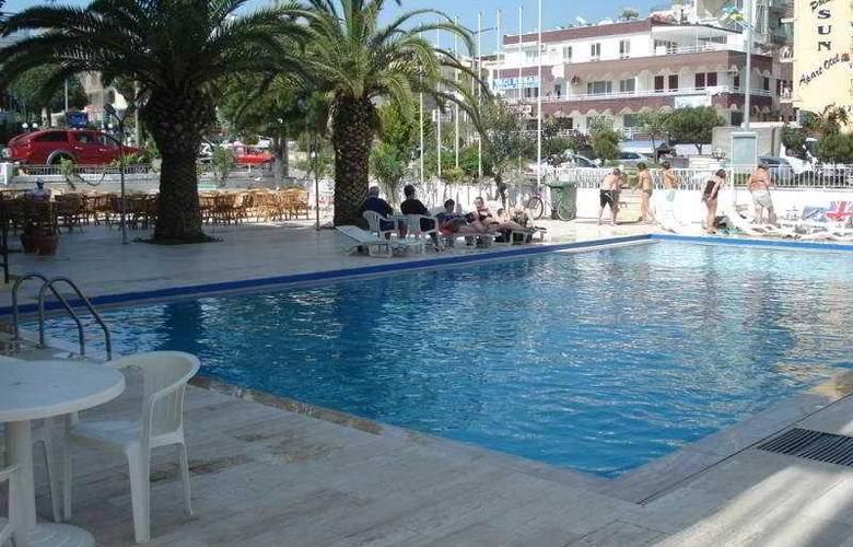 Miletos - Pool - 3