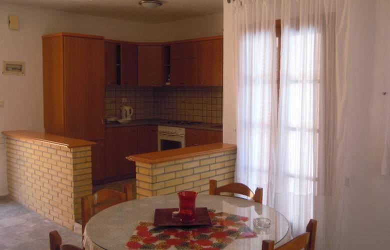Niriides Villas - Hotel - 4
