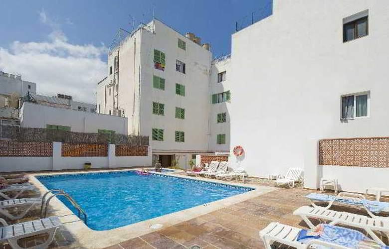 Hostal Torres - Pool - 1