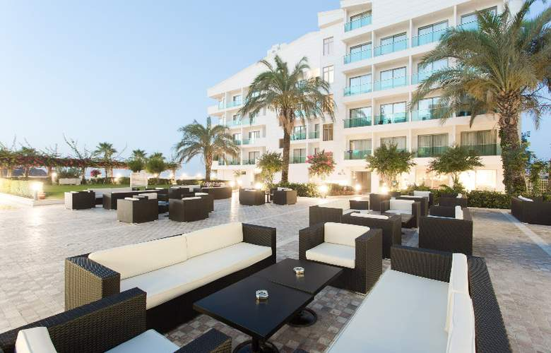 Club Hotel Falcon - Terrace - 9