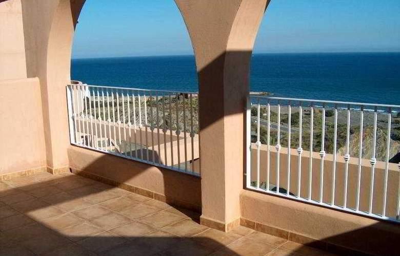 Suite Hotel Puerto Marina - Terrace - 2
